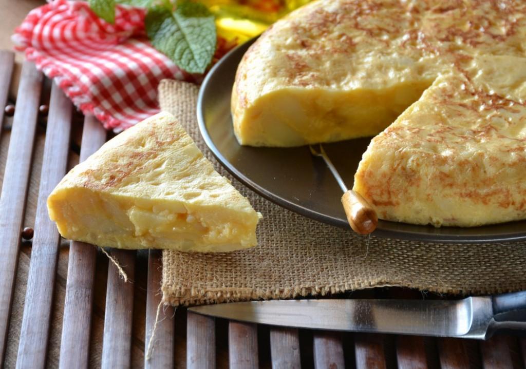 Receta tortilla de patatas Riu Arecas
