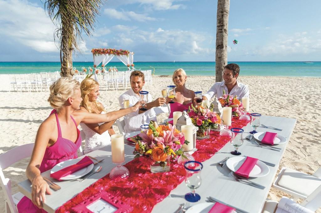 Matrimonio Simbolico Punta Cana : Wedding reception riu