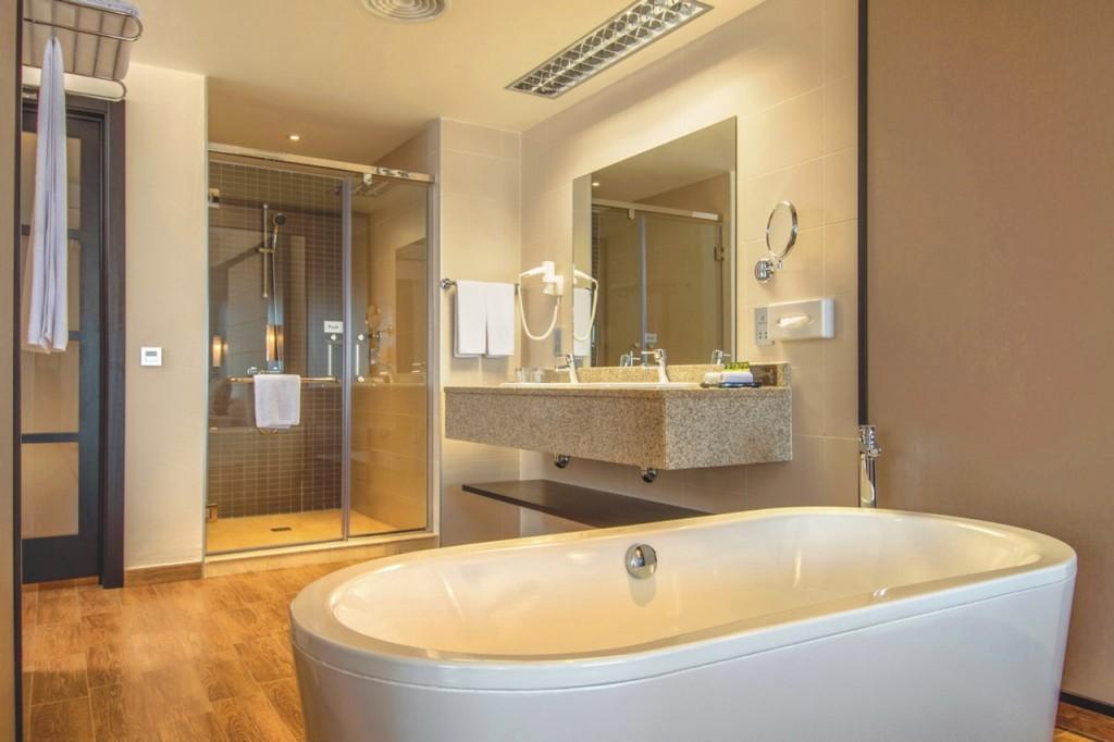 Bañera en la habitación