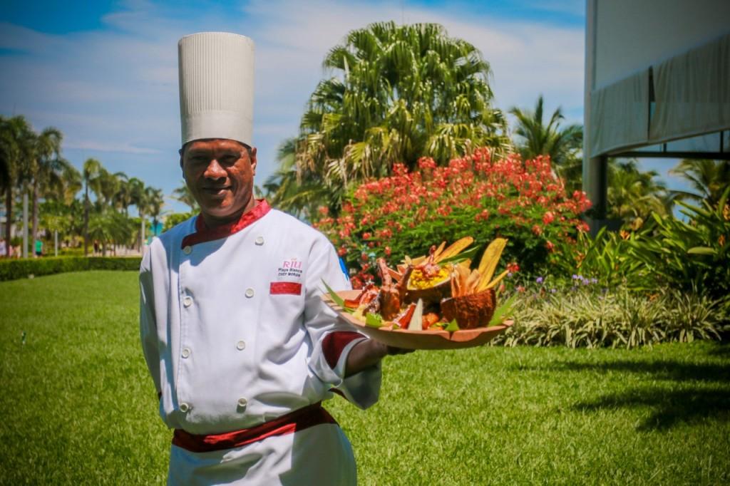 Chefkoch des Hotel Riu Playa Blanca Adelaido Moran