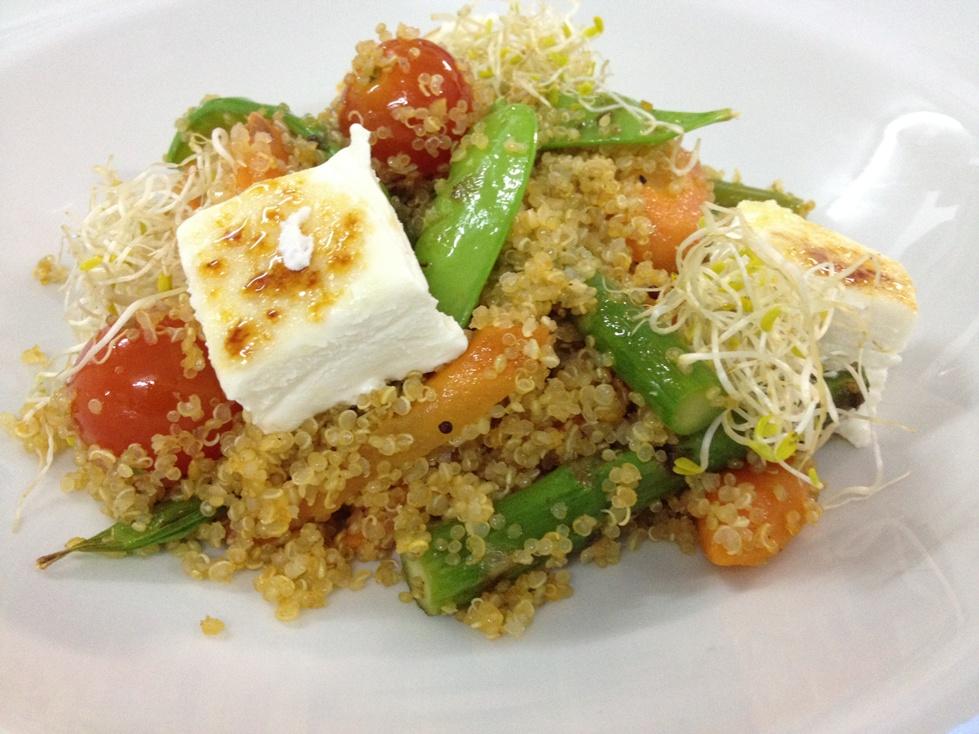 Plato de quinoa en restaurante Kulinarium