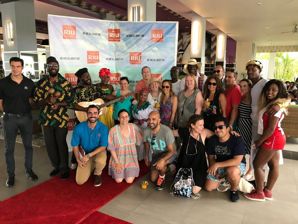 Grupo en recepcion Riu Palace Jamaica