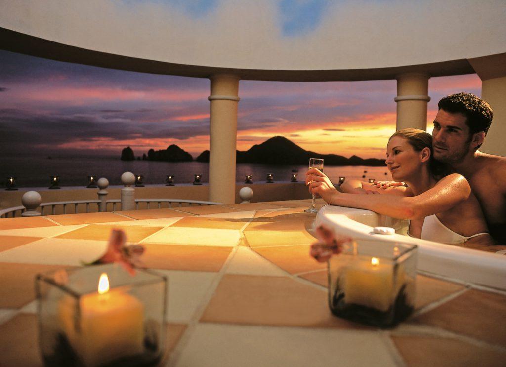 Jacuzzi suite Riu Palace Cabo San Lucas