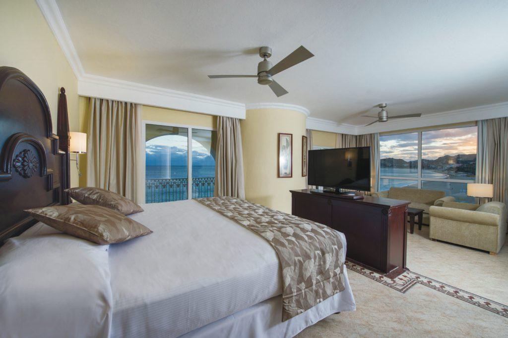 Suite Jacuzzi Riu Palace Cabo San Lucas