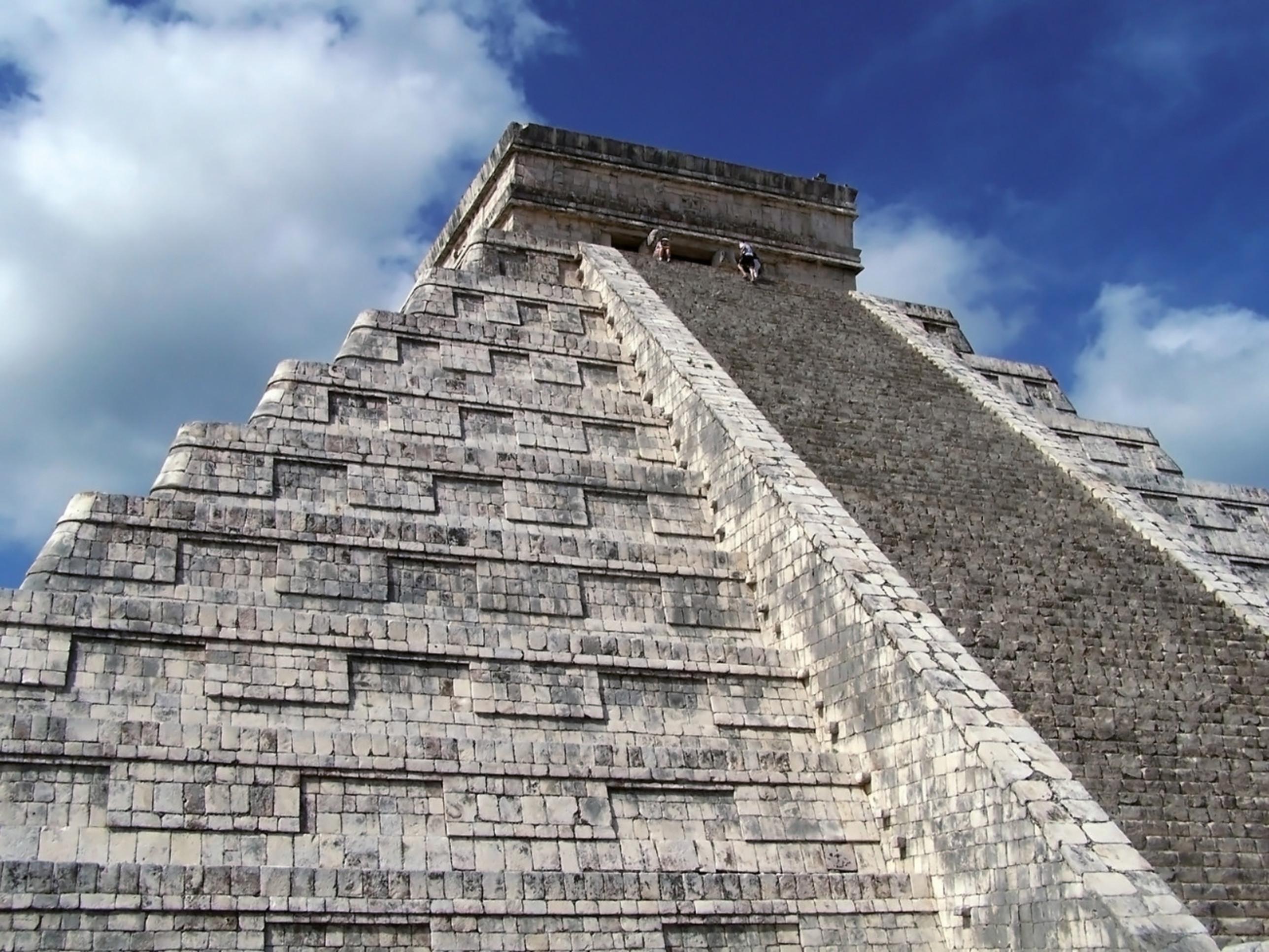 Happy Birthday RIU! 20 years of service in Mexico - RIU com