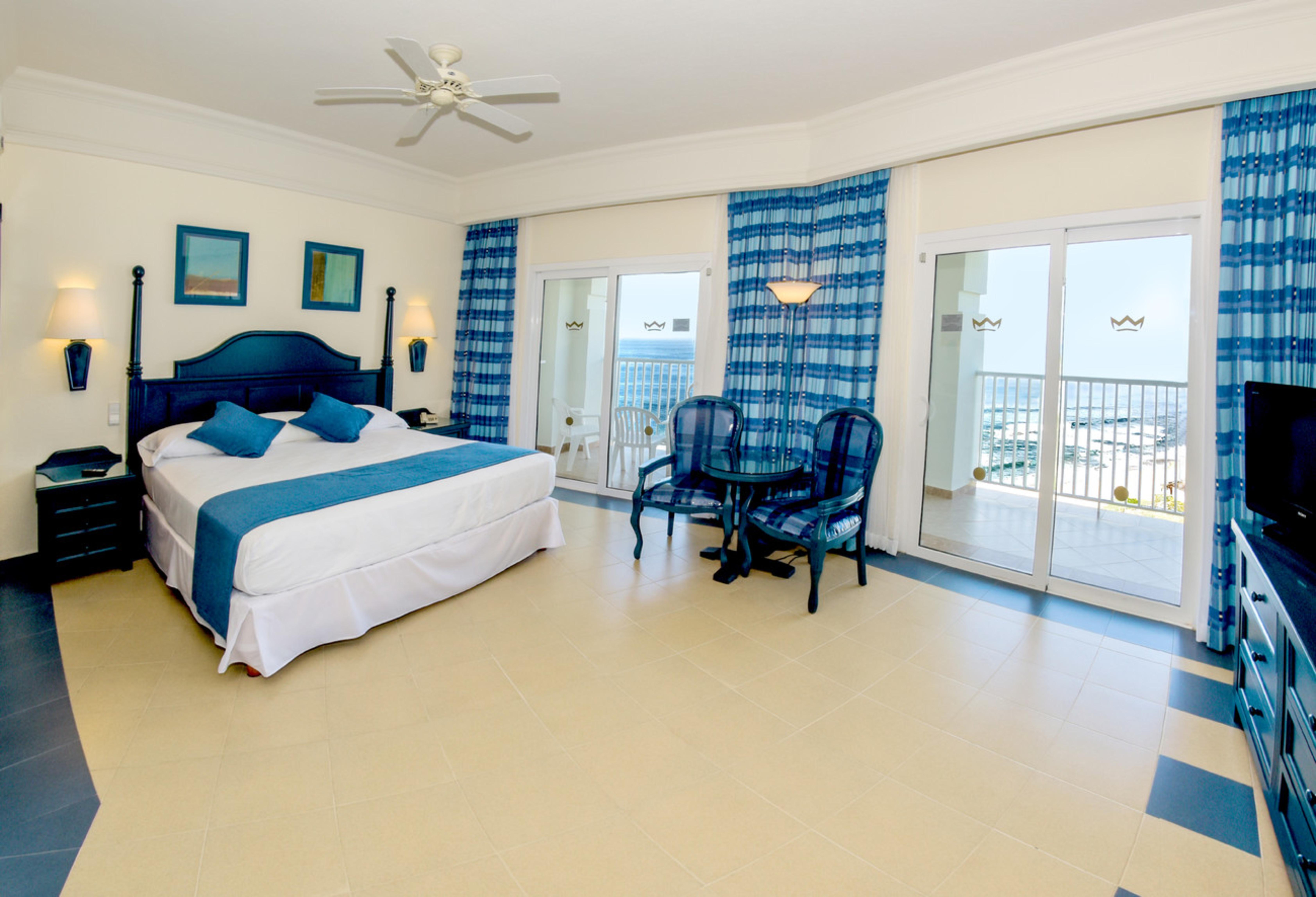 Entdecke Mazatlán und genieße deinen Urlaub im Hotel Riu Emerald Bay ...