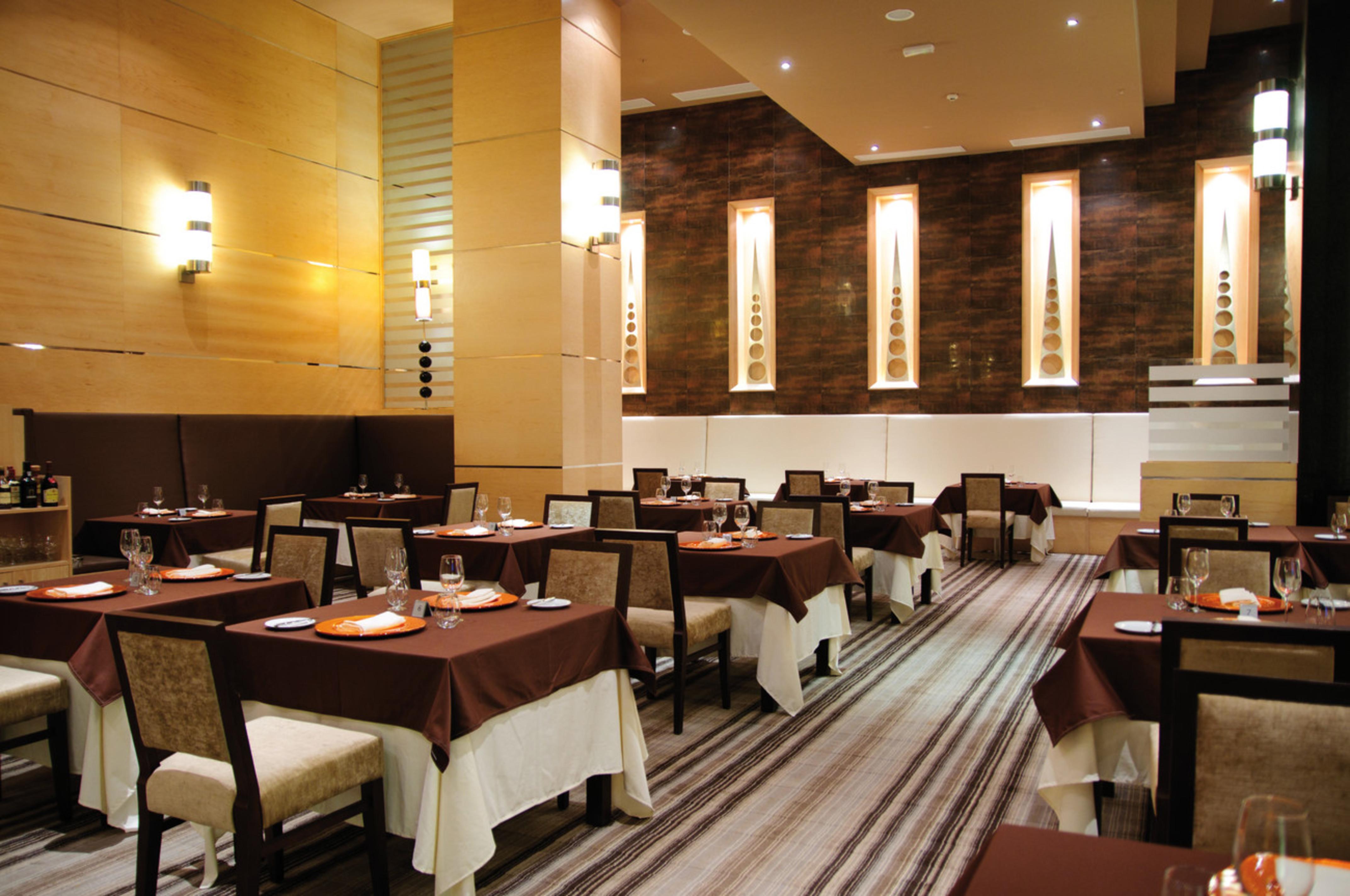 El hotel riu plaza panama lo tiene todo para una estancia for Alta cuisine panama