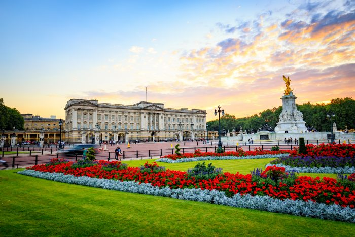Buckingham Palace, one of London's main tourist attractions