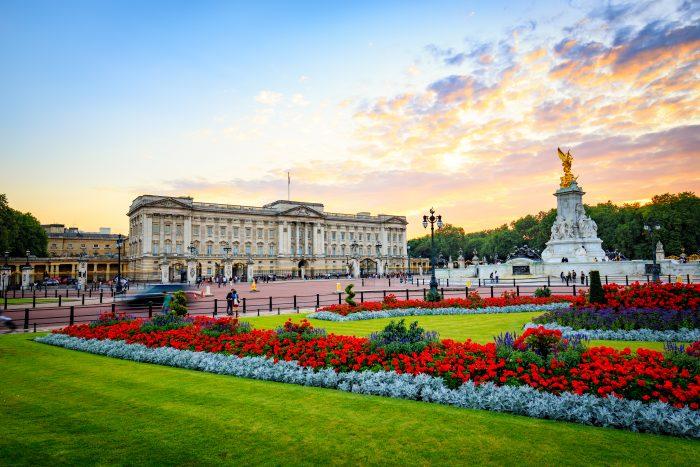 Buckingham Palace, einer der touristischen Hotspots in London.