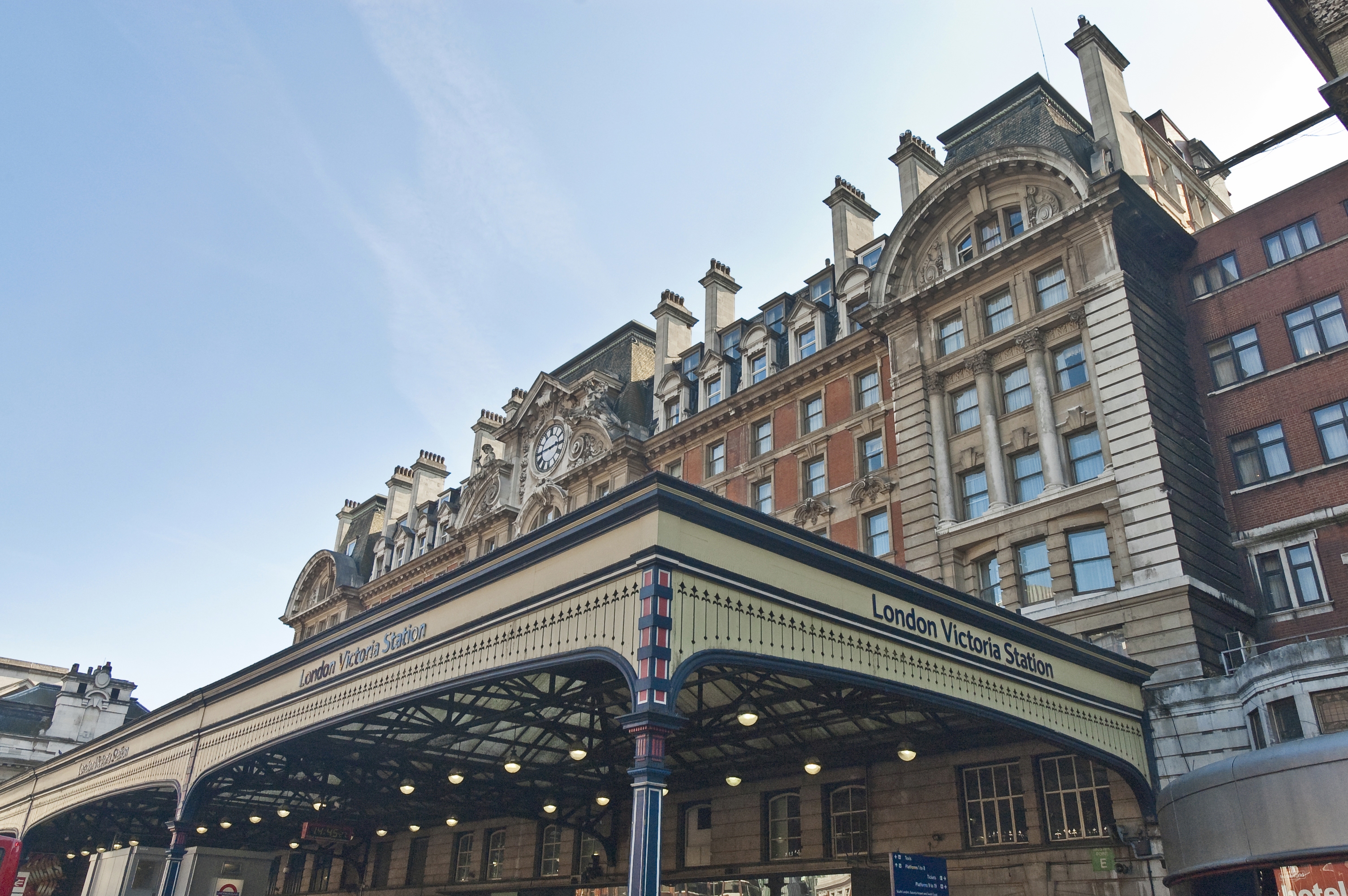 Get to know London with our new Riu Plaza hotel! - RIU com