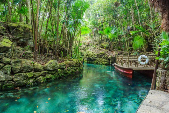 La excursión al río Xcaret, famosa en la zona de Cancún