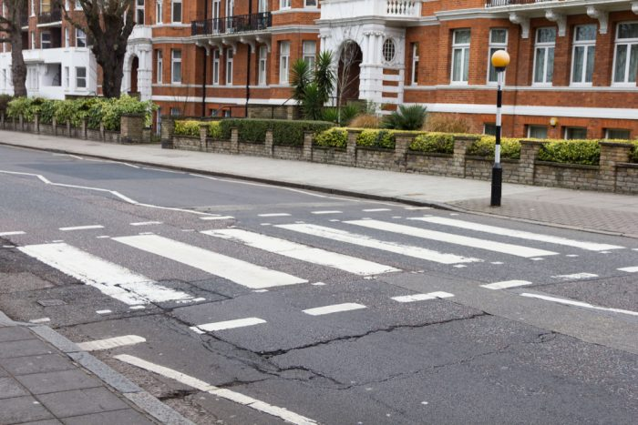 Visit London with RIU and discover the famous Beatles zebra crossing