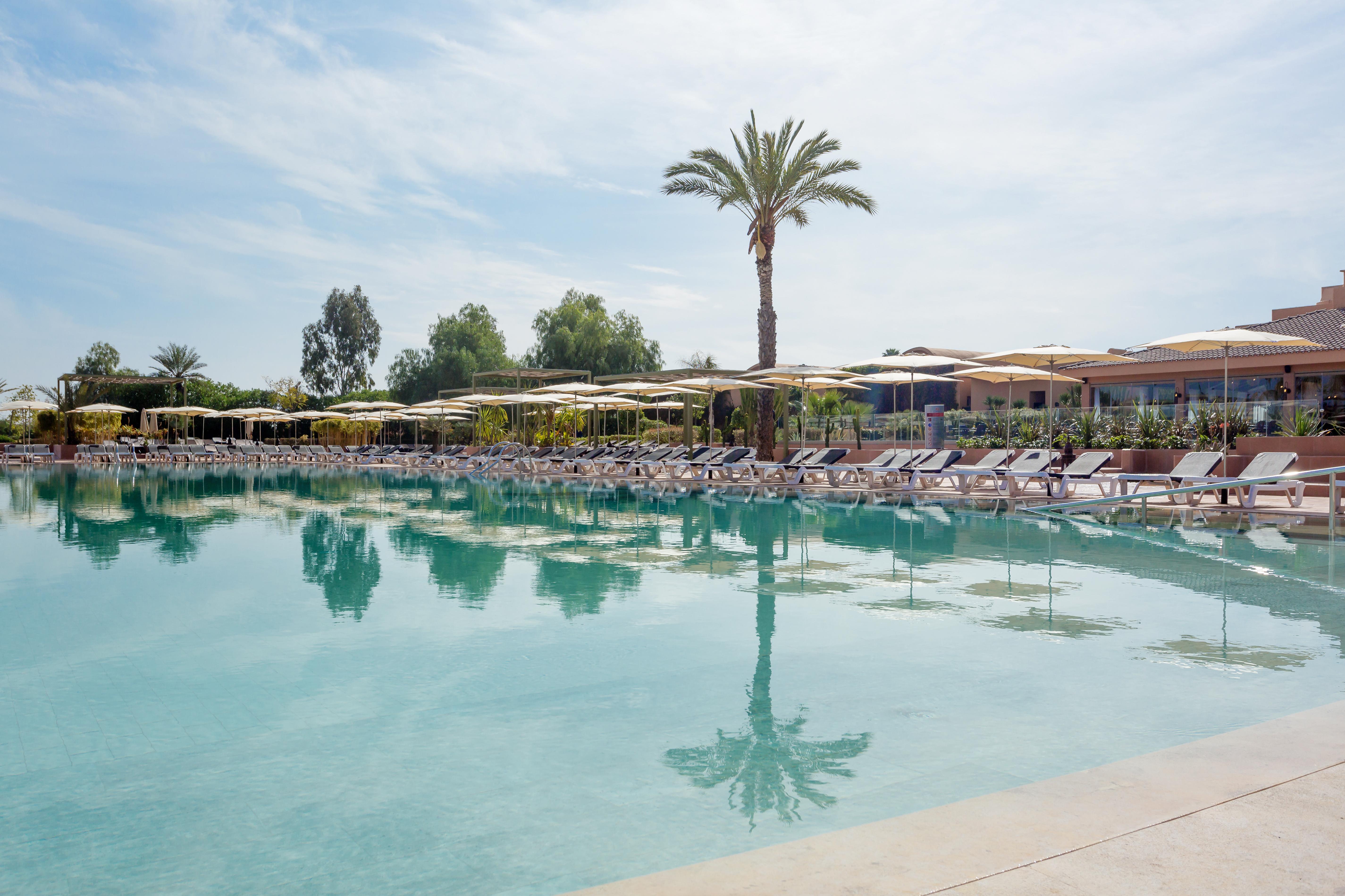 Así luce la nueva piscina del hotel