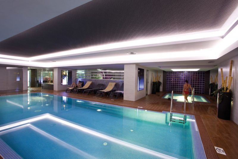 You can enjoy using the indoor pool at the Hotel Nautilus