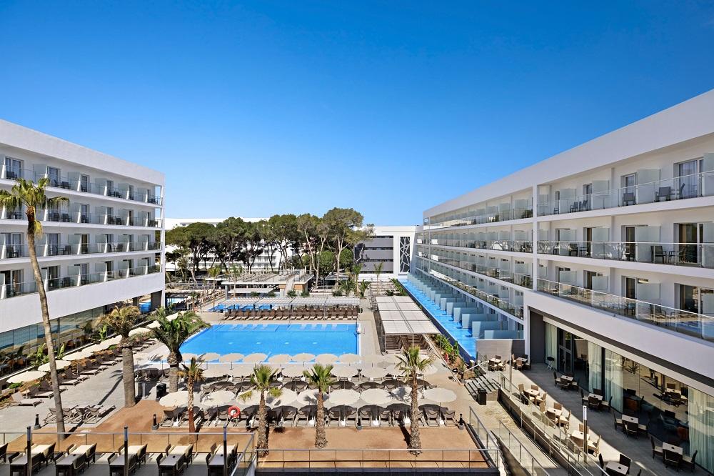 Algunas de las habitaciones cuentan con piscina privada