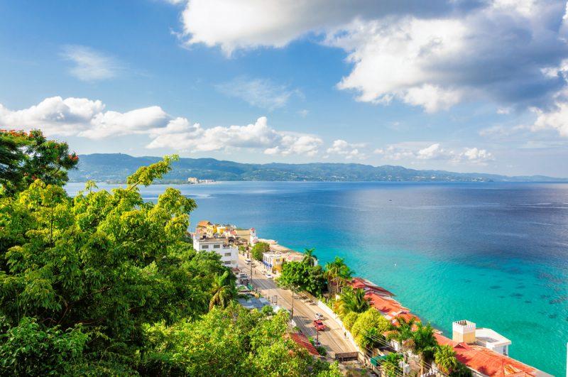 Ven a Negril con RIU y baila al ritmo del reggae en sus playas