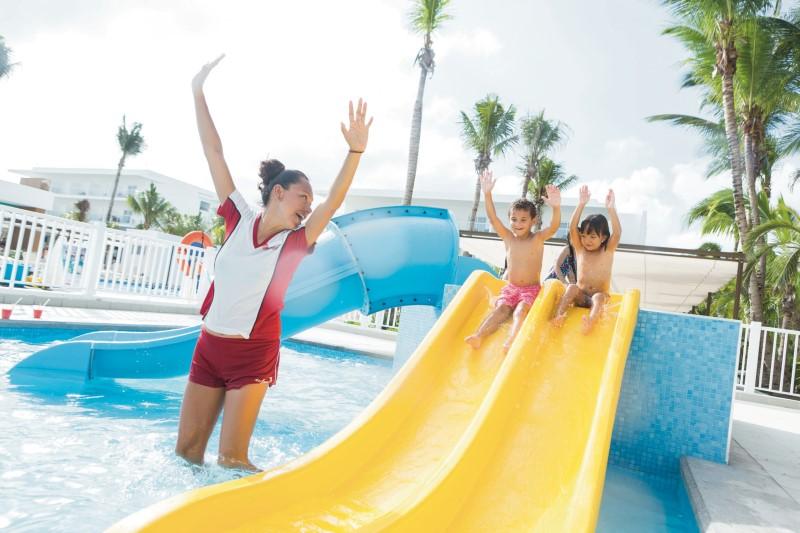 Algunos de nuestros hoteles tienen una piscina infantil con Splash para los niños