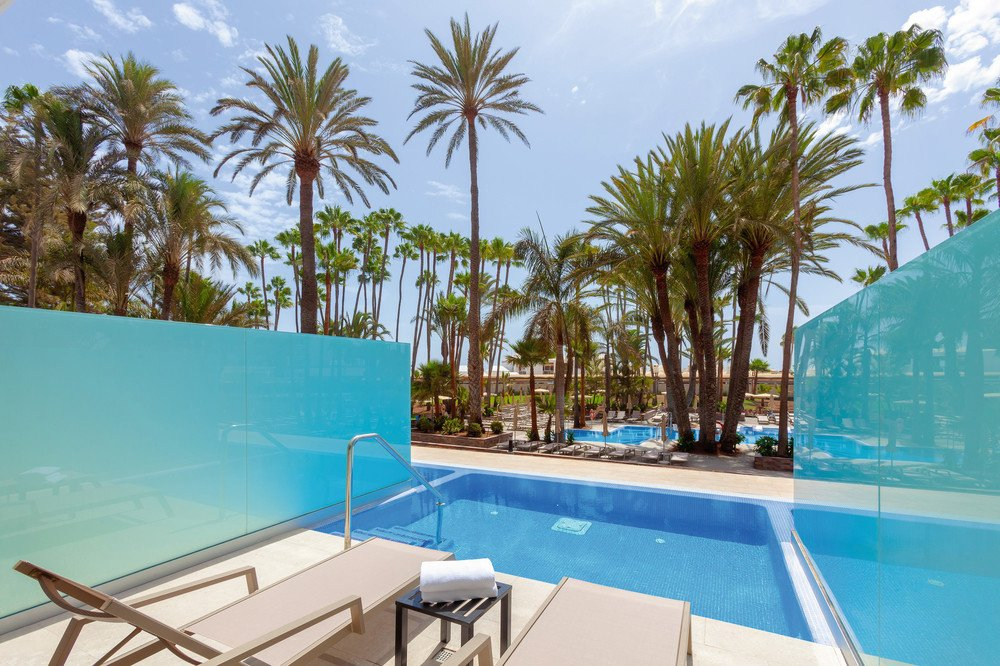 Guests can choose a bedroom with a private pool at the hotel Riu Palace Oasis