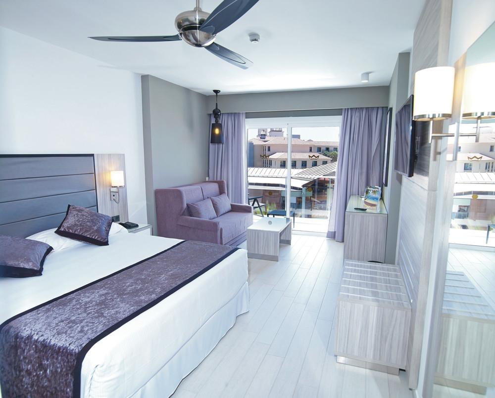 Las habitaciones del hotel Riu Palace Meloneras son de estilo moderno