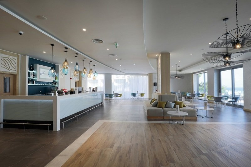 The Lobby Bar provides you with a spacious area in which to relax and enjoy a drink