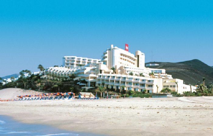Das Hotel Riu Palace Jandia befindet sich direkt am Strand
