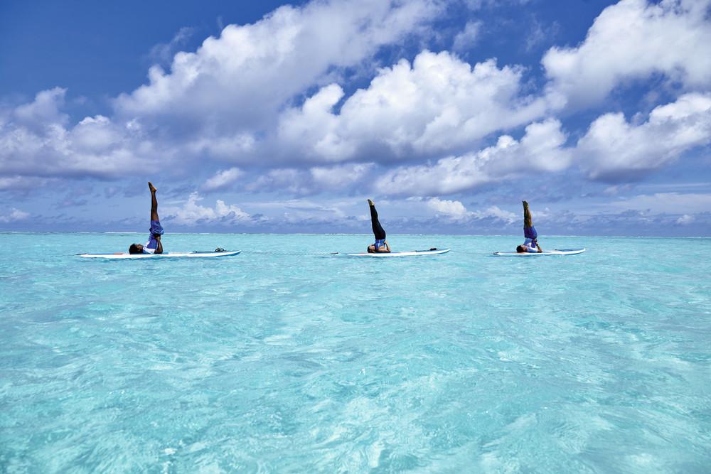 Una de las novedades de RIU en Maldivas es el Paddle yoga