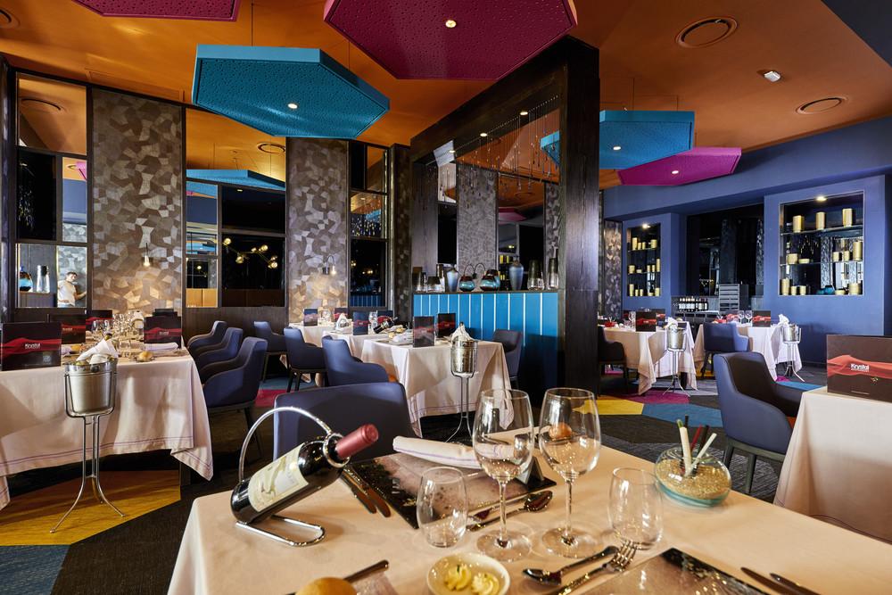 Visit the modern Kristal restaurant at the Riu Palace Baja California