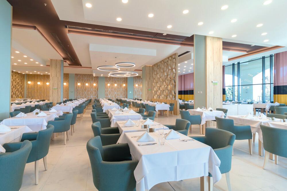 So sieht es im Hauptrestaurant des Riu Palace Sunny Beach aus