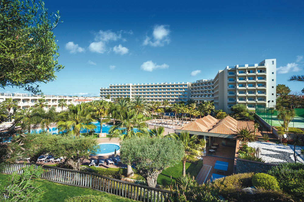 The Riu Guarana hotel is located in the Algarve region