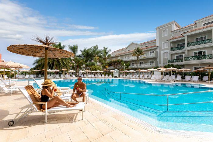 El hotel Riu Garoe tiene dos piscinas, una de ella para niños