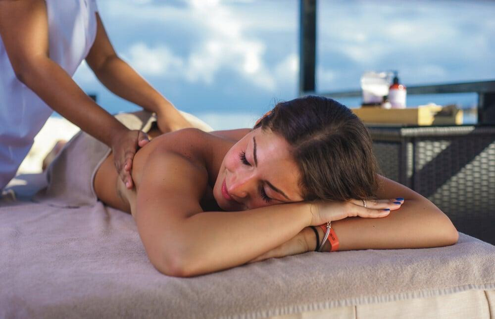 At the Riu Reggae hotel you can enjoy an alfresco massage