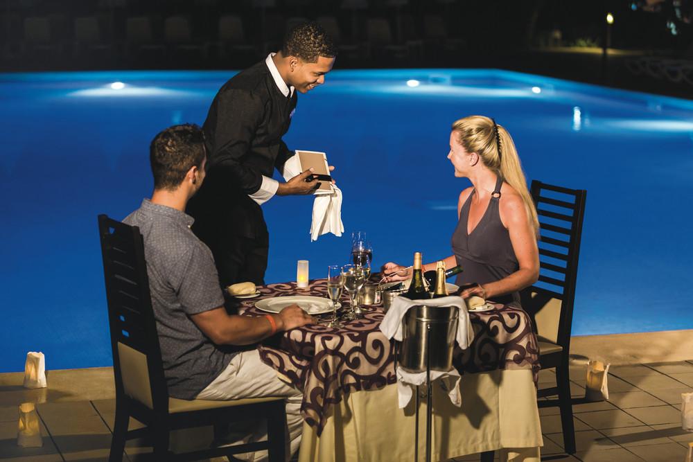 Enjoy romantic alfresco dinners at the Riu Republica hotel