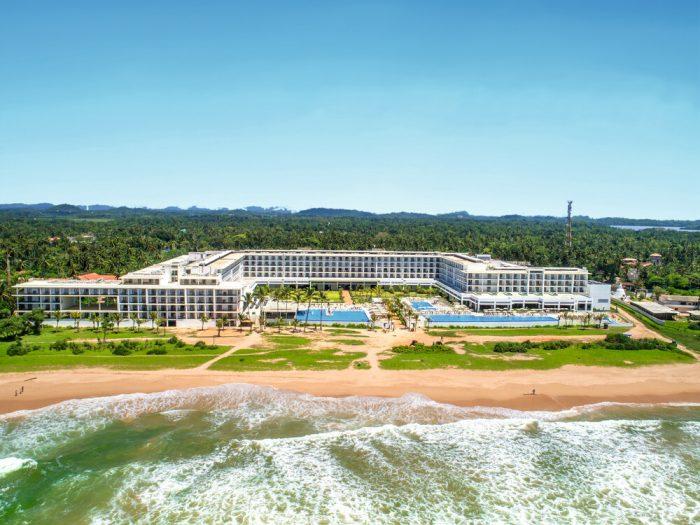 Das Riu Sri Lanka befindet sich seit 2016 am Traumstrand von Ahungalla .