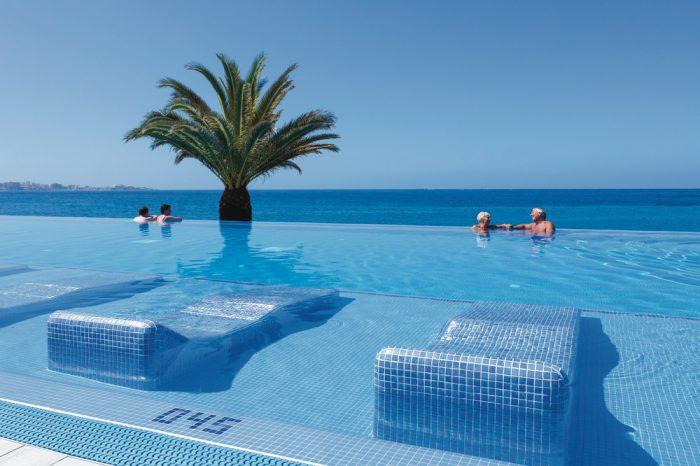 El hotel Riu Palace Tenerife cuenta con una increíble piscina