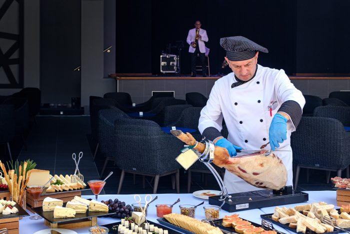 En la inauguración del Riu Palce Palmeras lo invitaron degustaron ricos platos