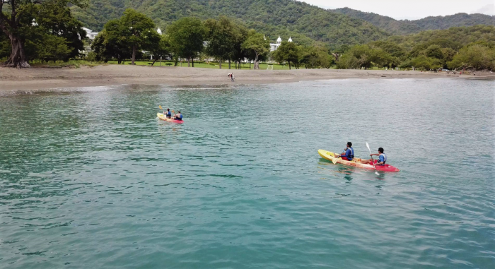 Go kayaking with RIU in Guanacaste's waters
