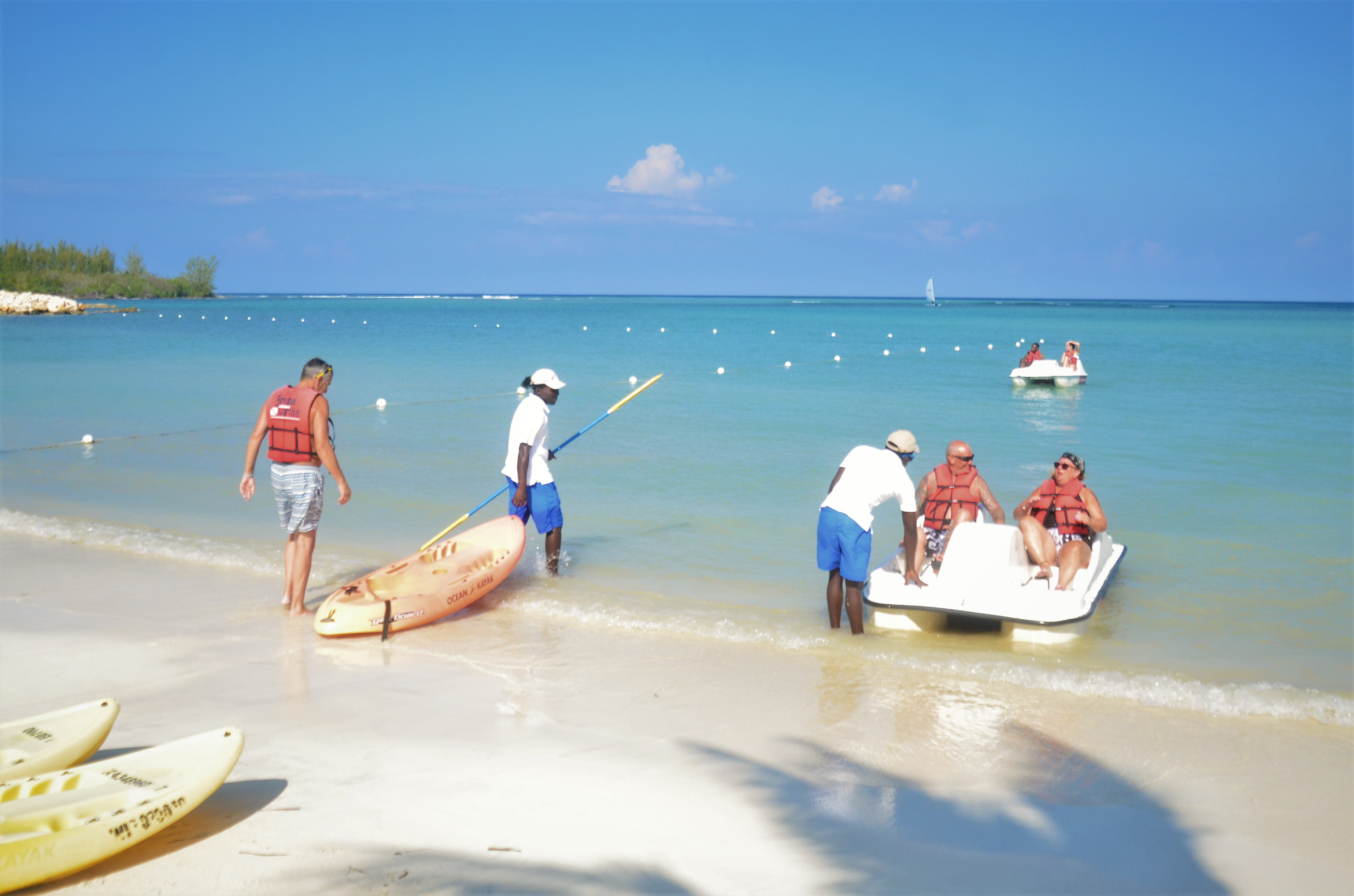 RIU offers you the chance to go kayaking or taking a ride on a pedalo in Jamaica