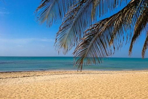 Ein Strand im Senegal, wo Luis Riu ein neues Hotel eröffnen möchte