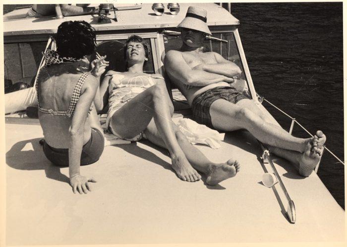 Los tres astronautas pasearon el barco recorriendo las calas de Gran Canaria junto a sus esposas