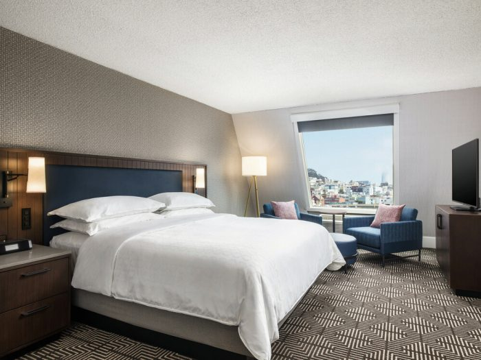 The Riu Plaza Fisherman's Wharf hotel is waiting for you in San Francisco