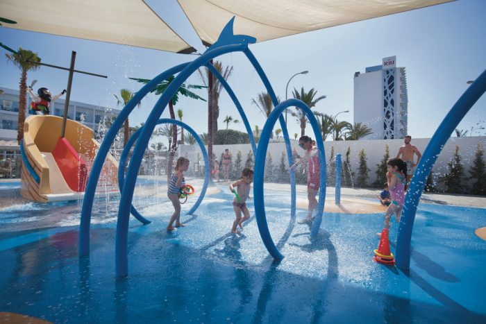 Give the gift of joy this Christmas to your family with RIU