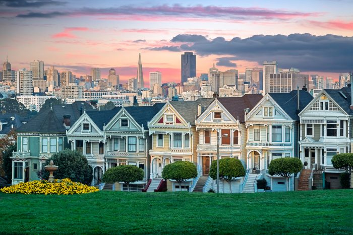 Don't forget to visit the famous Painted Ladies Victorian houses with RIU