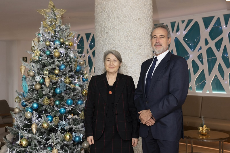 Carmen and Luis Riu, owners of the RIU chain, wish the whole team a Merry Christmas