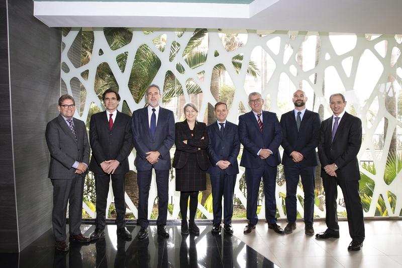 Consejo de Dirección de RIU Hotels & Resorts, con Carmen y Luis Riu a la cabeza