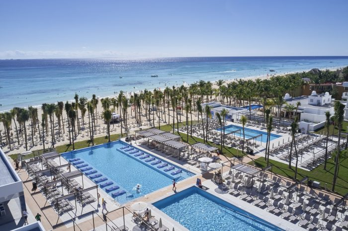 Enjoy the Riu Palace Riviera Maya's swimming pools