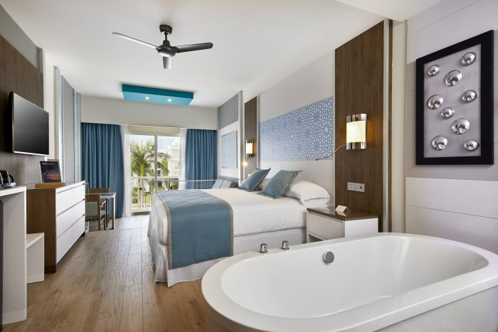 The Riu Palace Riviera Maya has 460 luxury rooms