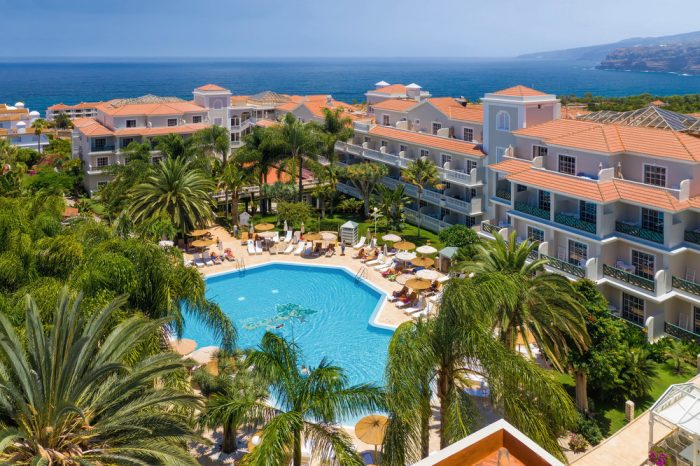 You can stay at the recently refurbished Riu Garoe in Tenerife