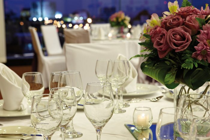Celebrate your wedding day at the Riu Plaza Panama hotel