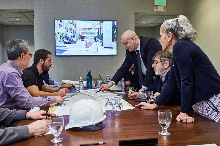 RIU-Teamsitzung zur Organisation der Arbeiten am neuen Hotel Riu Plaza Fisherman's Wharf in San Francisco
