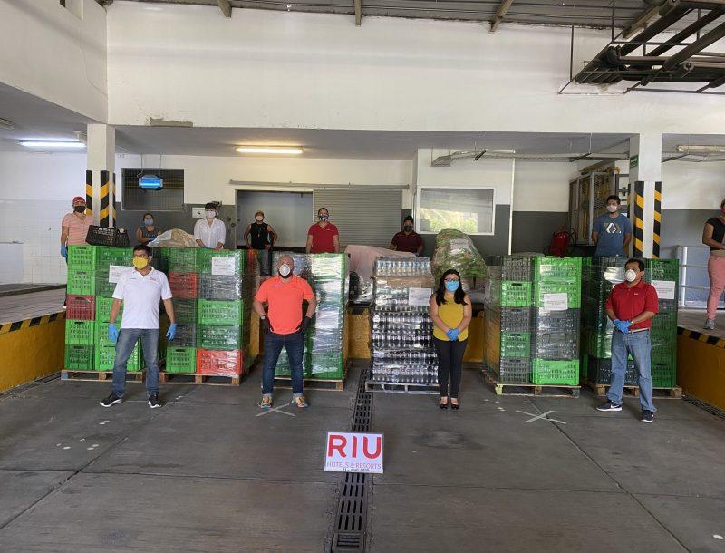 Von RIU-Hotels in Los Cabos (Mexiko) organisierte Lebensmittelspende